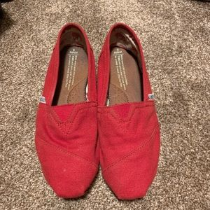 Red Toms, size 6